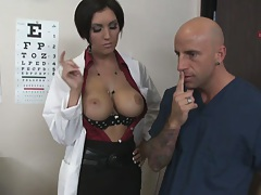 Male doctor examines female patients pussy with tounge