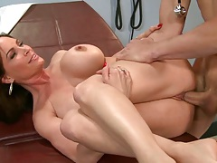 Lucky doctor Johnson fucking round ass milf Diamond