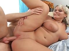 Scarlett a chubby hot babe sideways shaved pussy penetration