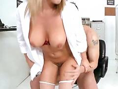 Bree Sucks cock in the examination medical room