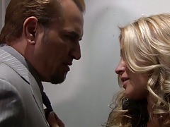 Blonde super babe jessica drake kisses man and sucks off his penis