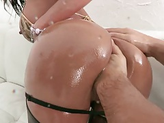 After Franceska gets ass fingered she sits on cock