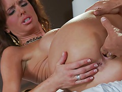 Hardcore milf fingering and blowjob