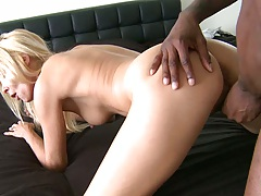 Black cock fucking and hair pulling milf
