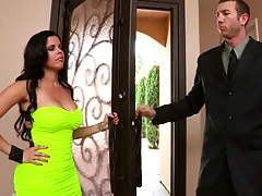 Big tits brunette Diamond Kitty gets slapped and punished with fingering