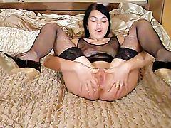 Slut shows us how to properly massage pussy