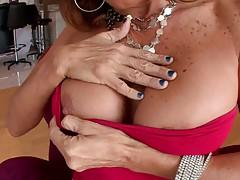 Big tits milf Tara Holiday takes off shirt and skirt